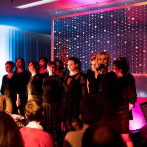 Revue: Sisters in Concert
